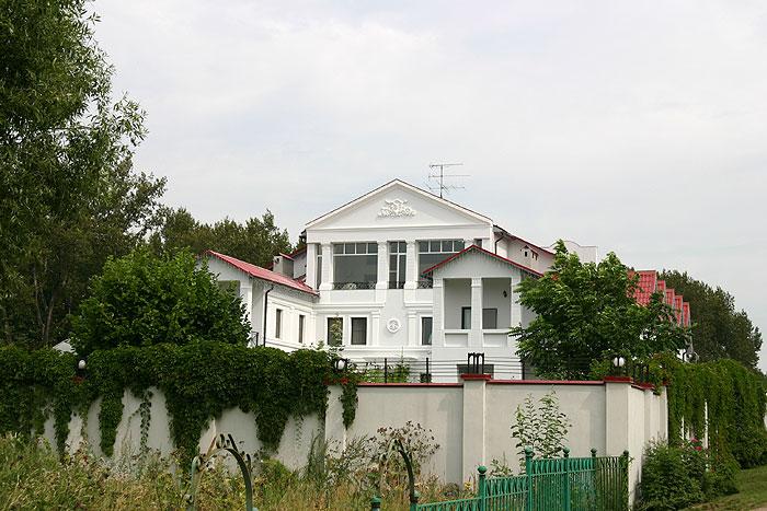 Пугачева дача на истре фото